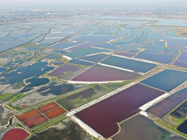 Aerial view of salt lake in Yuncheng, N China's Shanxi