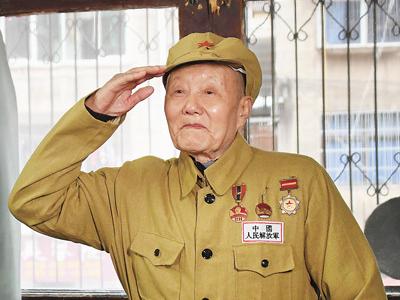 A quiet war hero devotes life to poor town