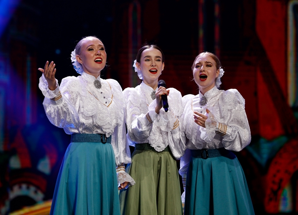 Hohhot gets taste of folk talent from around the globe