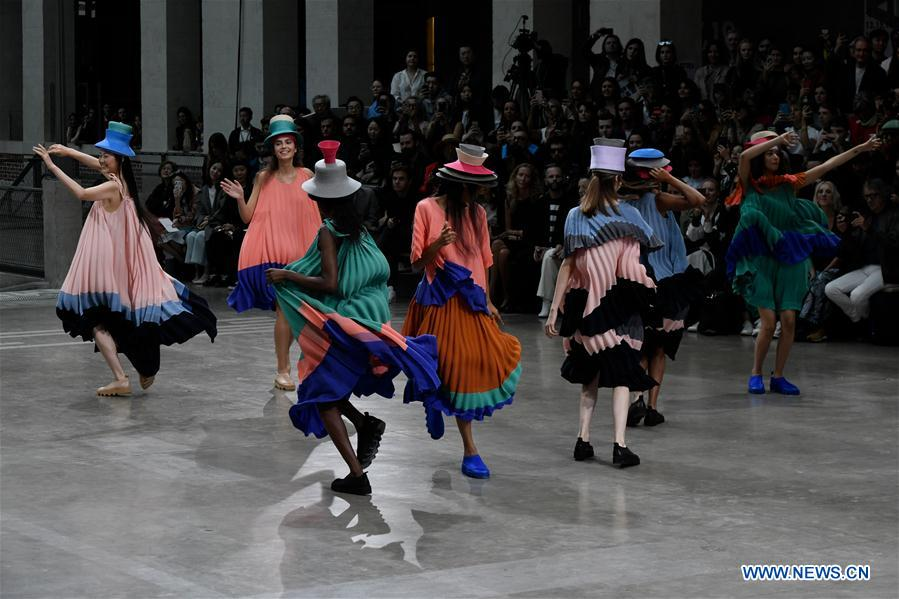 Paris Fashion Week: ISSEY MIYAKE S/S 2020 women's ready-to-wear collection