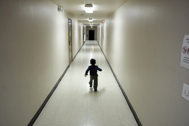 Judge blocks Trump rules for detained migrant kids
