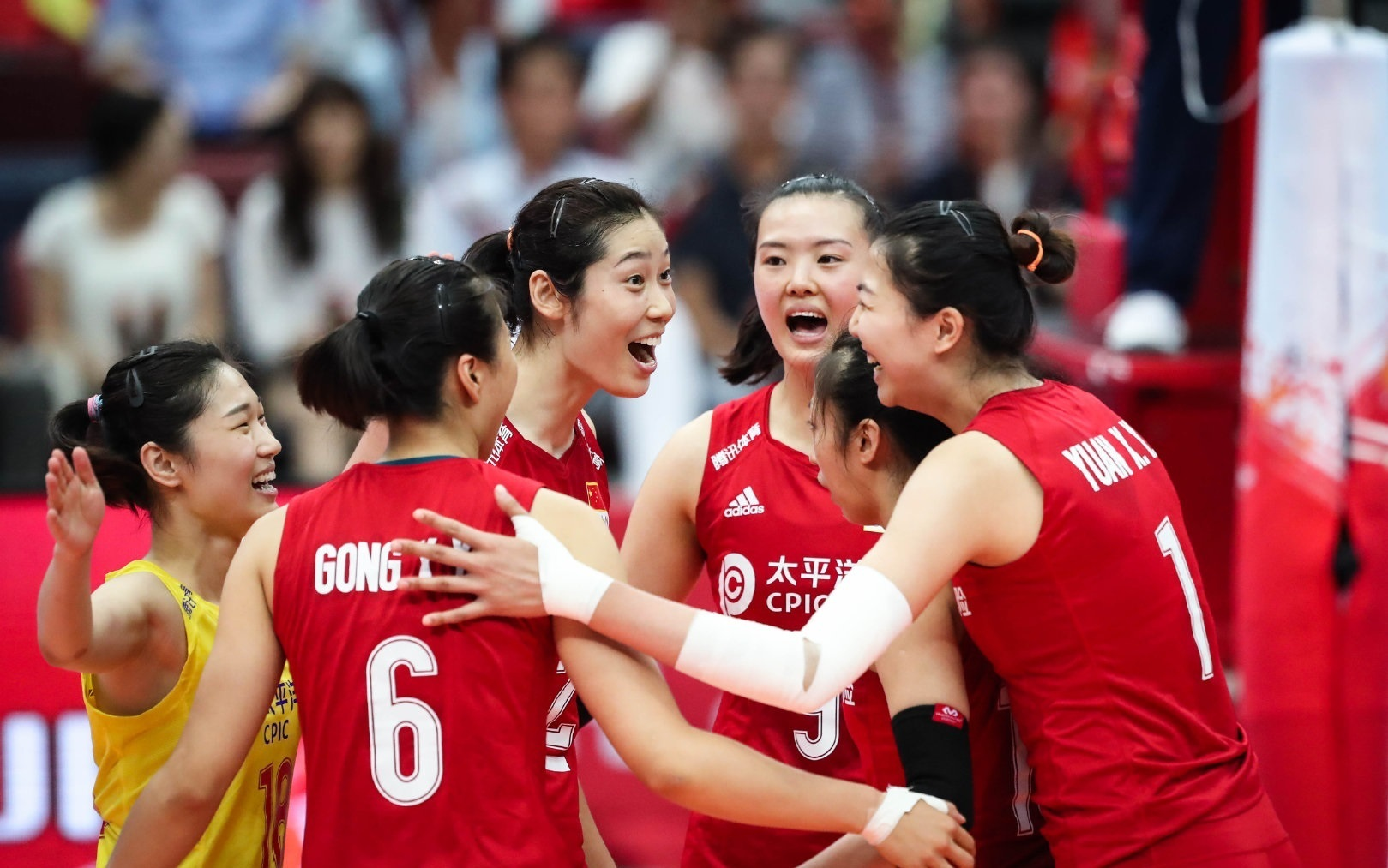 President Xi congratulates China's World Cup-winning volleyballers