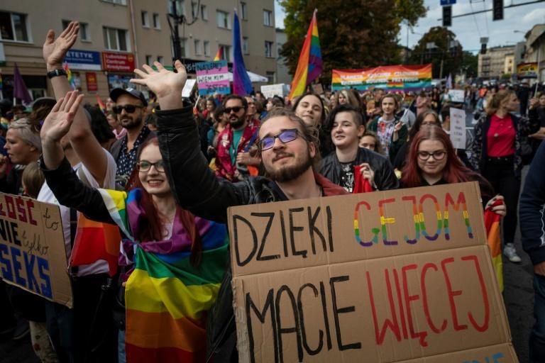 Polish Gay Pride marchers push past violent counter-protest