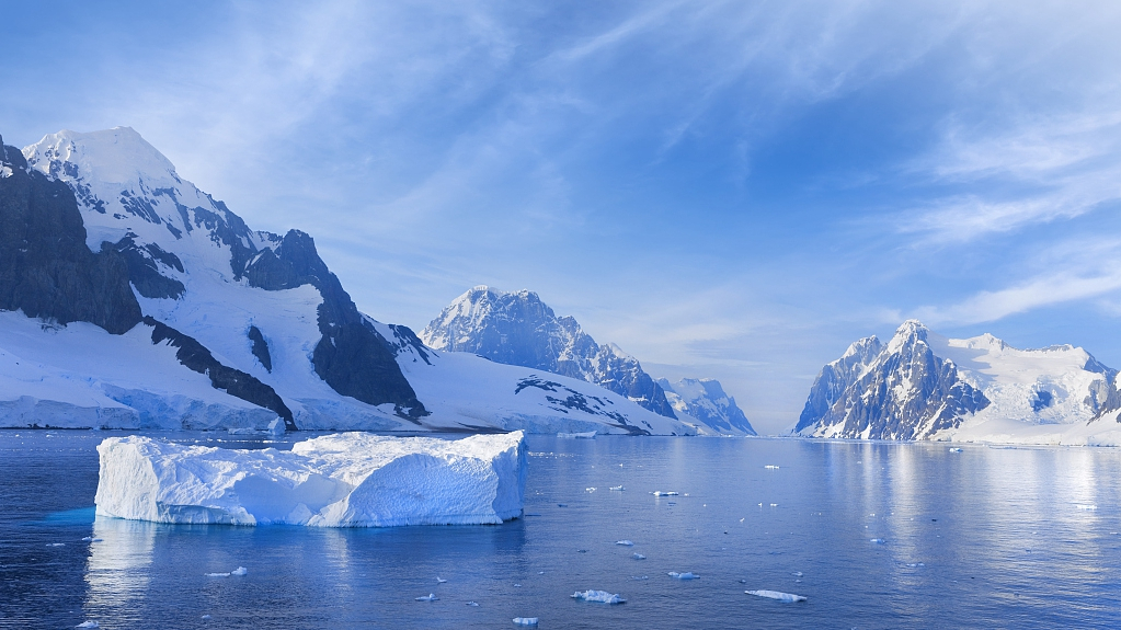 Gigantic iceberg breaks off east Antarctica