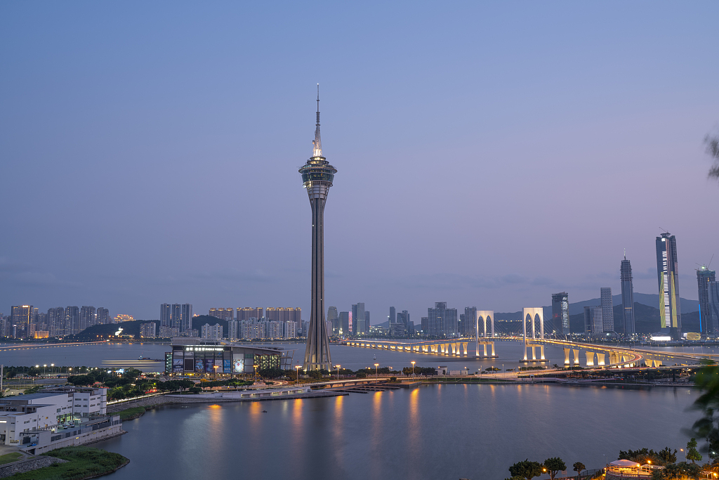 Macao's cross-border vehicle traffic up by 10.9 pct in August
