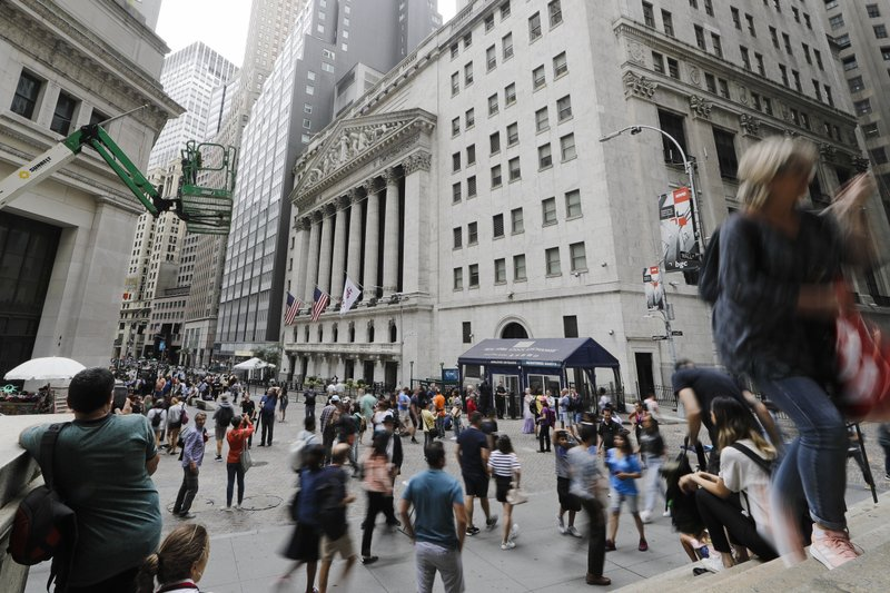 US stocks close higher as rate-cut expectations increase