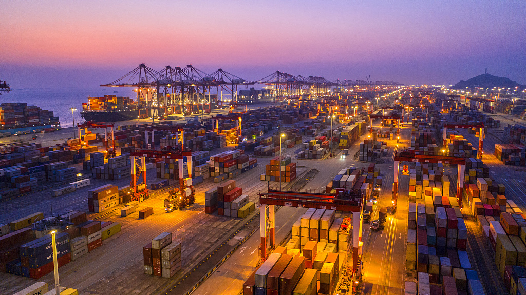 China's ports see handling capacity rise in August