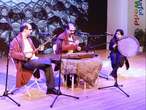 Iranian twins create harmony across cultures