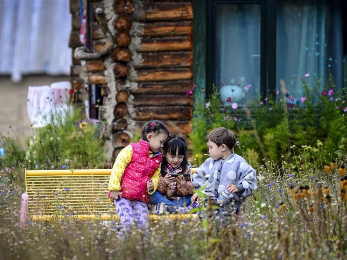 Tourism booms in northwest China's Xinjiang