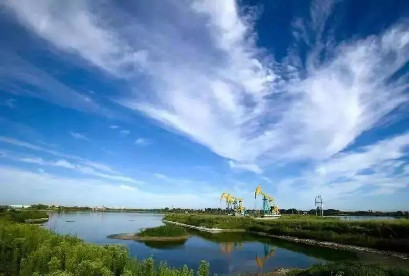 Large gas field discovered in Xinjiang