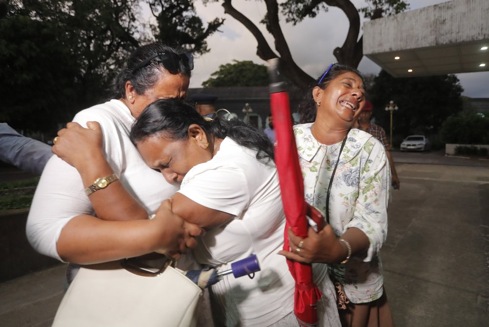 Sri Lanka court allows candidate to keep citizenship