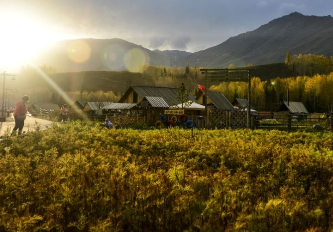 Xinjiang's Kanas scenic area receives over 10 mln visitors