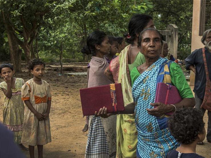 Poverty-stricken tribal women get gift in India