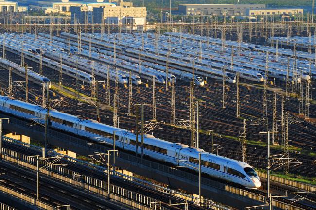 China's railways work to navigate National Day holiday travel peak