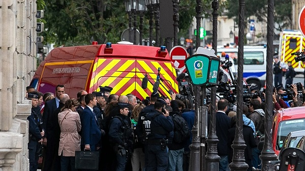 French prosecutor finds signs of radicalization in Paris knife attacker