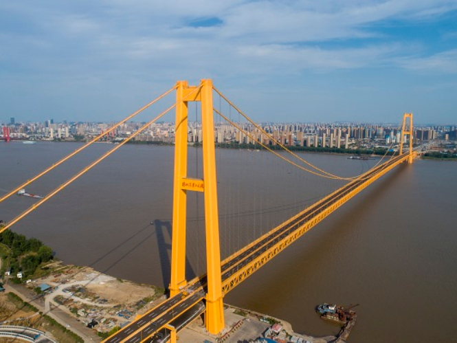 World's largest double-deck suspension bridge to open in central China