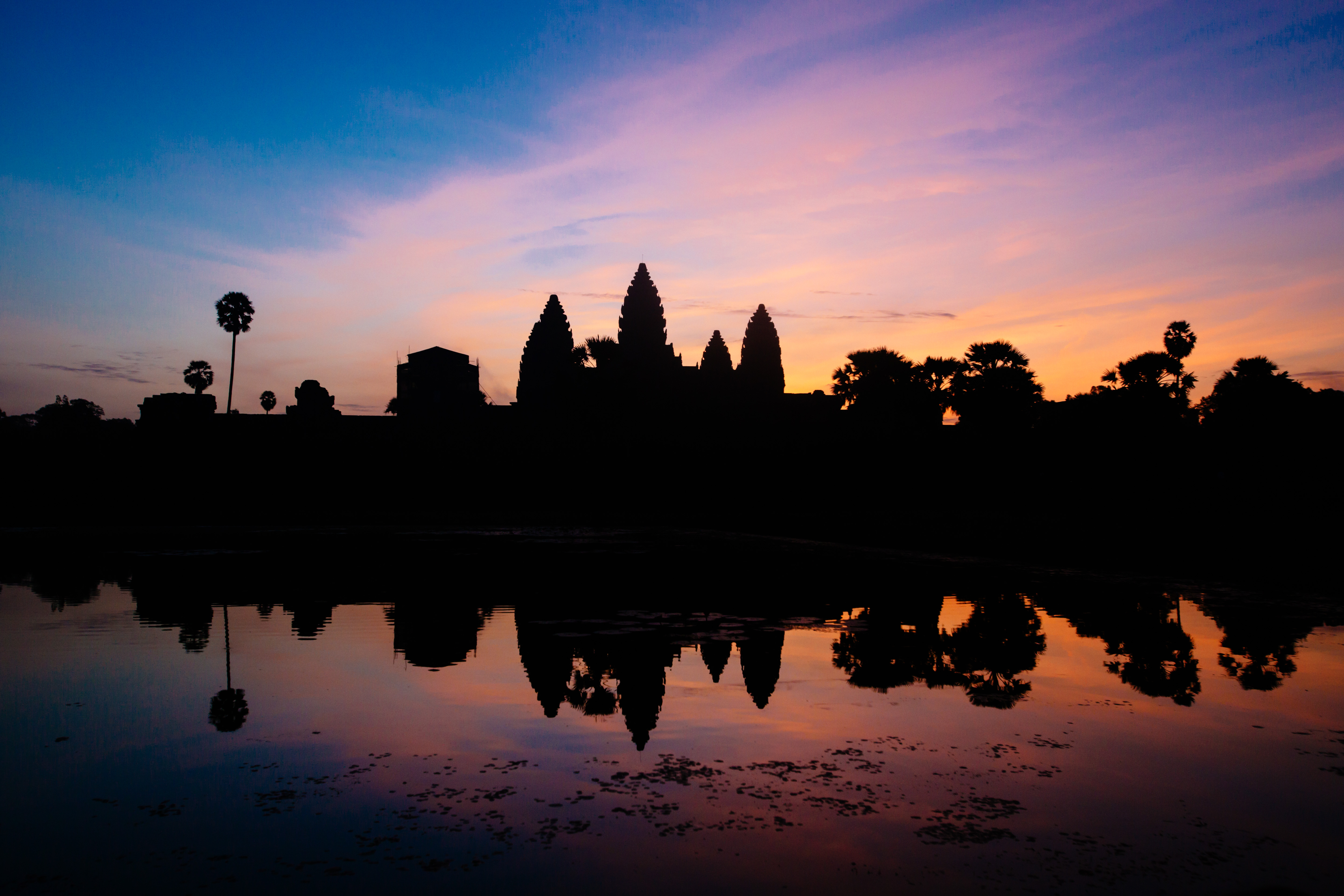 Cambodia lifts ban on foreigners running 10 types of small businesses