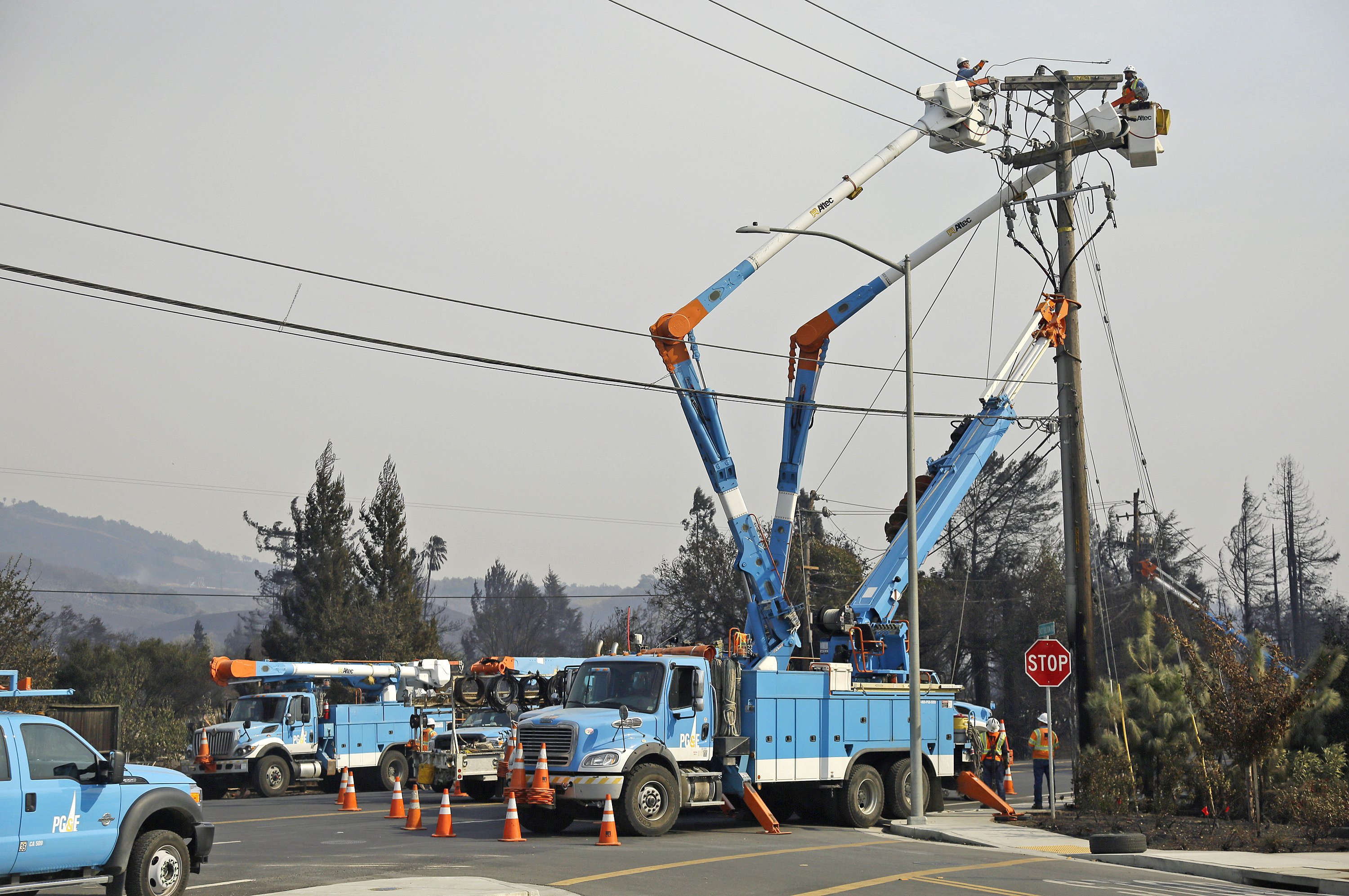 California utility warns of massive power cutoff in Northern California to prevent wildfires