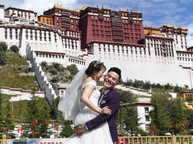 Tourism revenue reaches 650b yuan during 7-day holiday