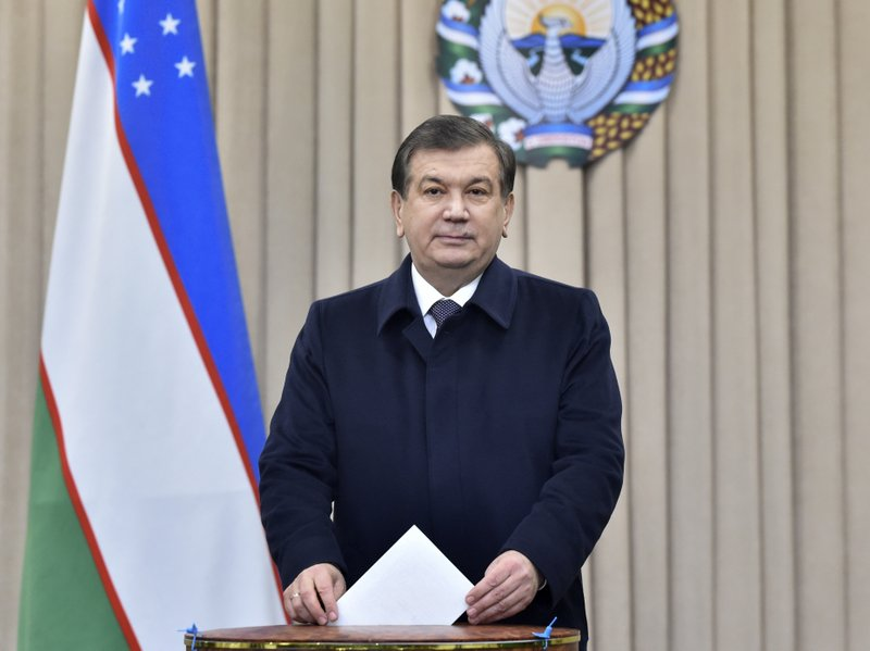 Uzbek president orders removal of barriers to developing stock market