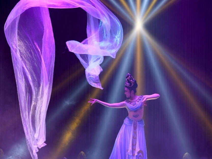 Immersive performance 'Ancient Sound of Dunhuang' staged in Lanzhou