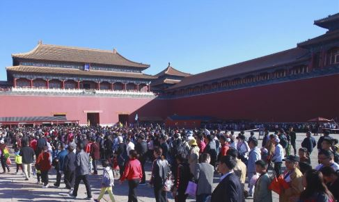 China sees stable social order during National Day holiday