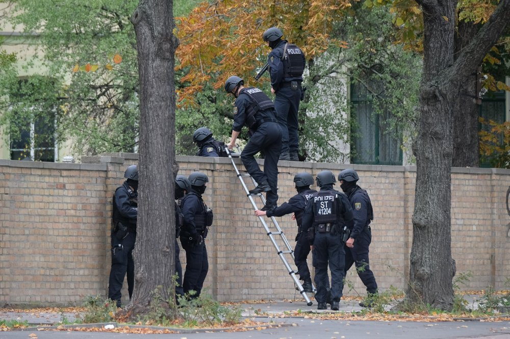 German synagogue is attacked on holy day; 2 dead nearby