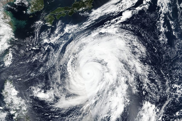 Super typhoon on track to drench Japan's main island