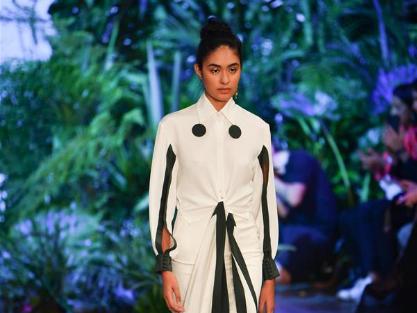 In pics: Kris Goyri Show during Mercedes-Benz Fashion Week
