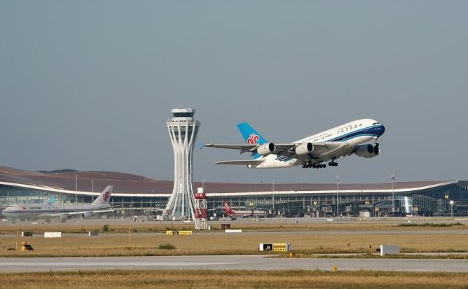 China reports 12.8 mln air trips during National Day holiday