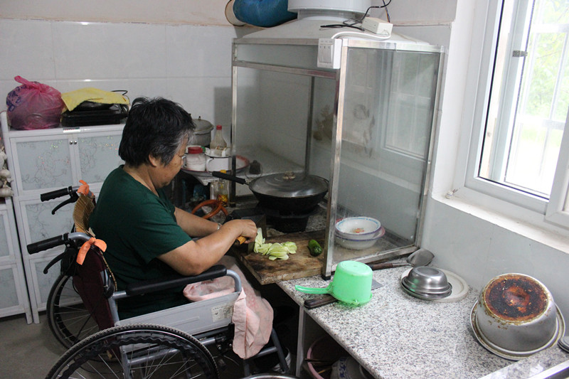 China renovates 304,900 severely disabled people's homes