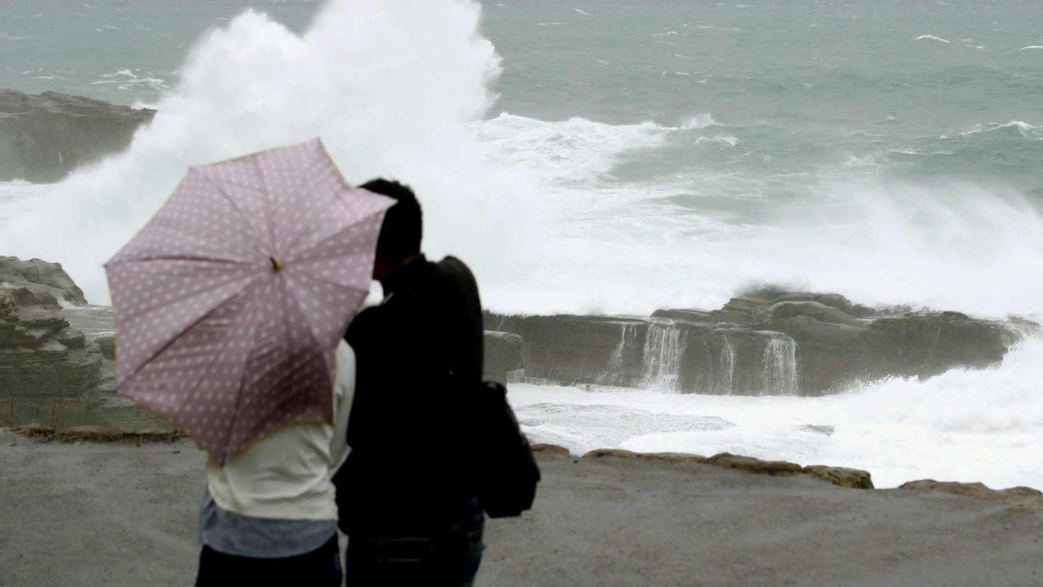 Tokyo quiet, bracing for worst typhoon in 6 decades