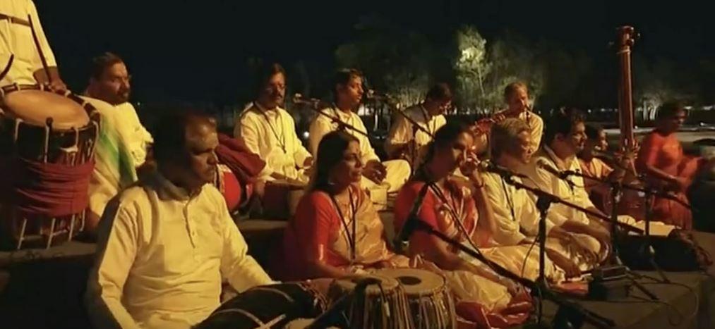 Xi, Modi enjoy performances at ancient temple