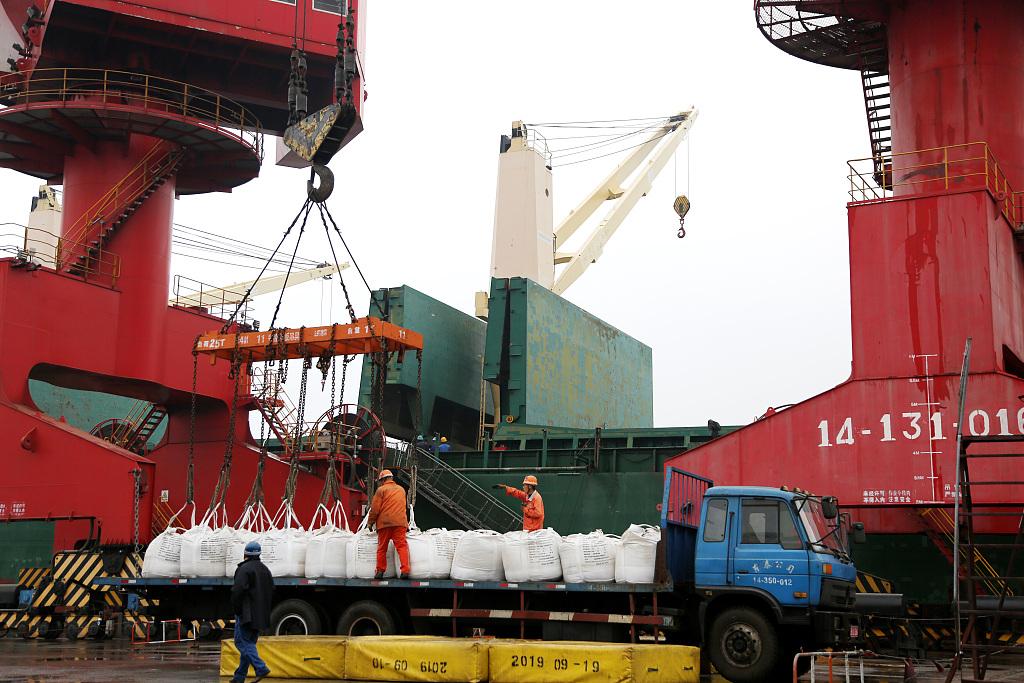 China's coastal bulk freight index rises in September