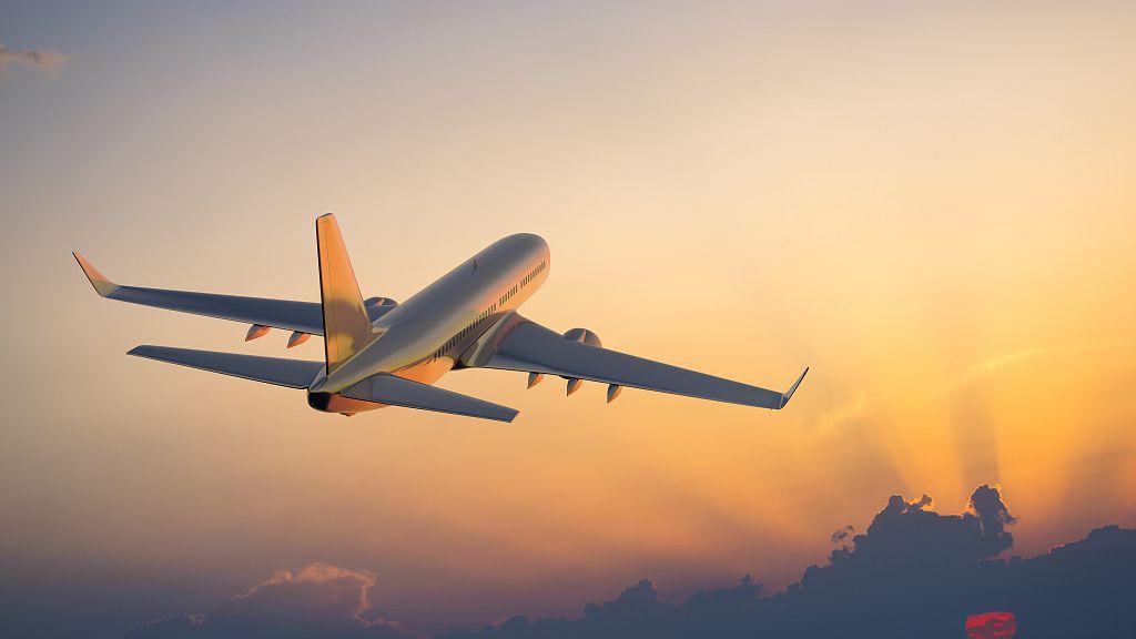 Direct flight links China's Sanya, Russia