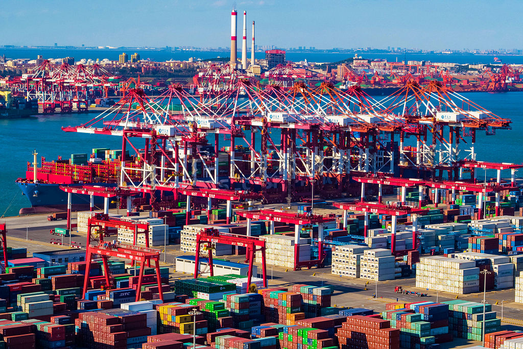 China reports growing bulk commodity imports in Jan.-Sept.