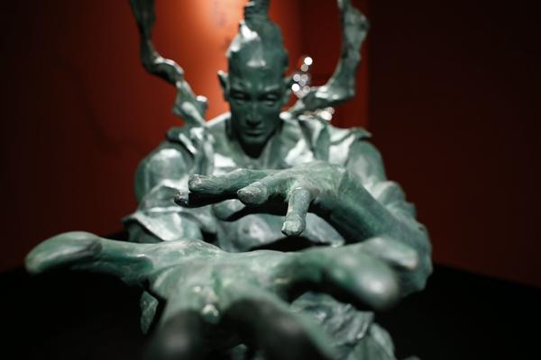 Sculptor Ren Zhe unlocks the material energy of spiritual warriors