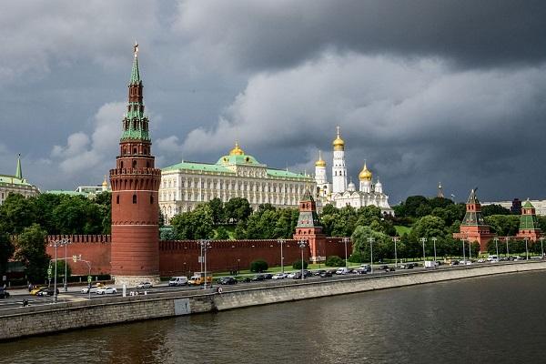 Kremlin shrugs off discussion on Crimea's return to Ukraine