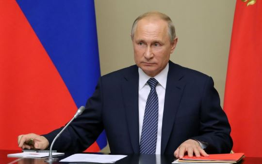 Putin says Russian defense industry should produce more civilian products