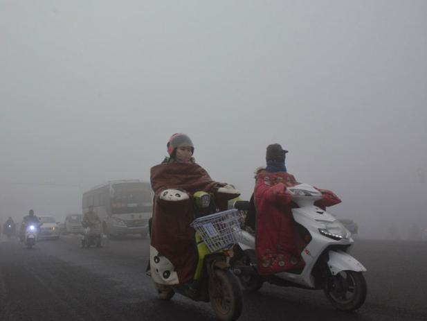 China renews yellow alert for thick fog