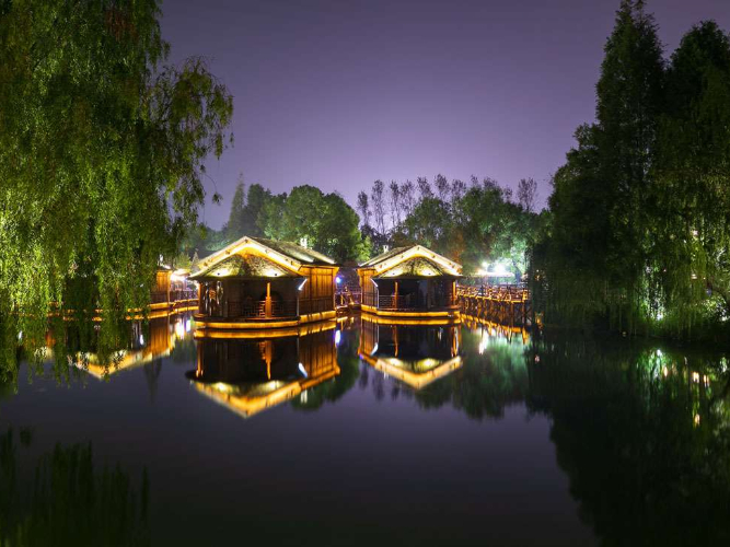 Wuzhen scenery dazzles at night