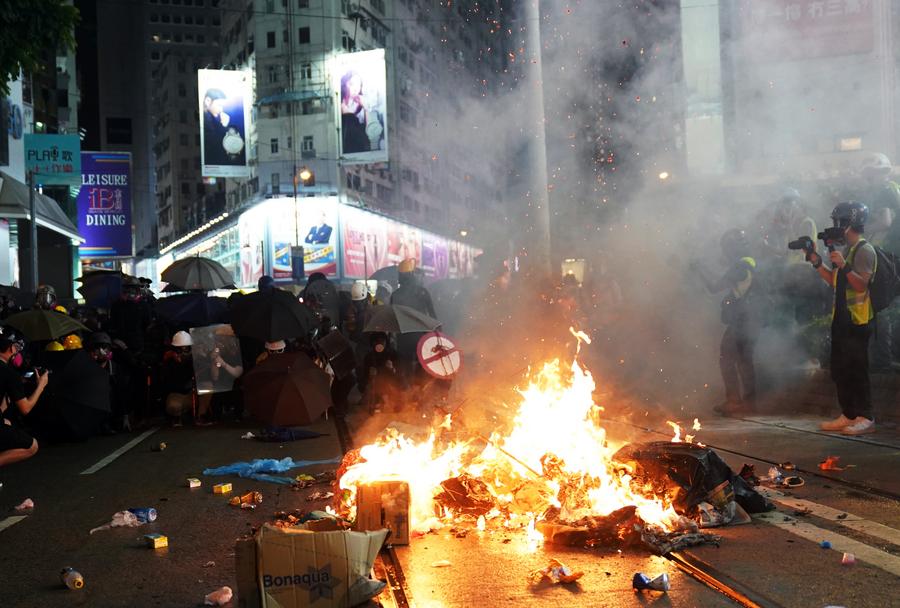 A record of 10.20 violence disrupts Hong Kong