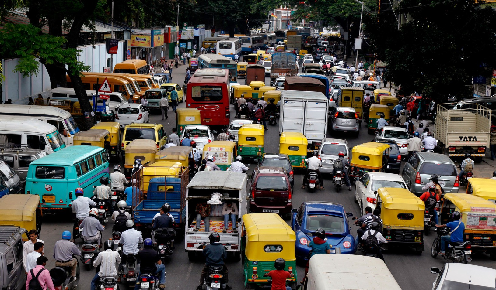 India's real estate, automobile sector see decline: report