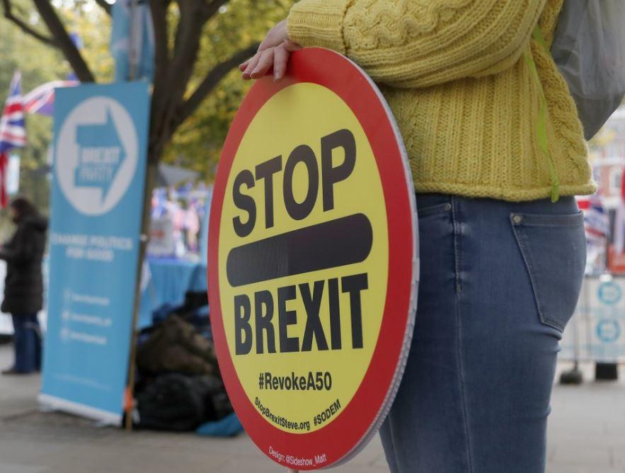 EU lawmaker backs 3-month Brexit extension