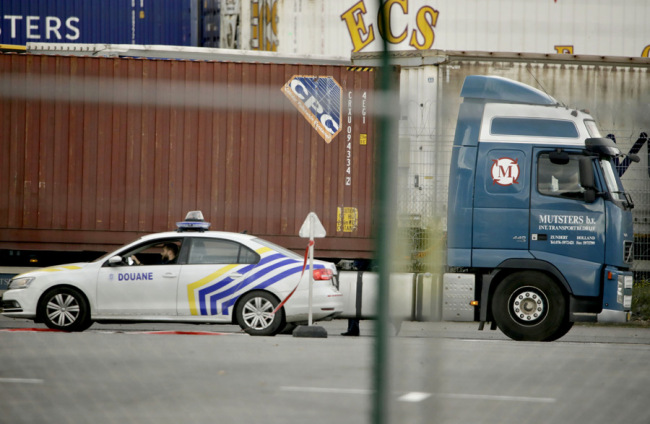 Chinese embassy in close contact with UK police following reports of lorry container deaths