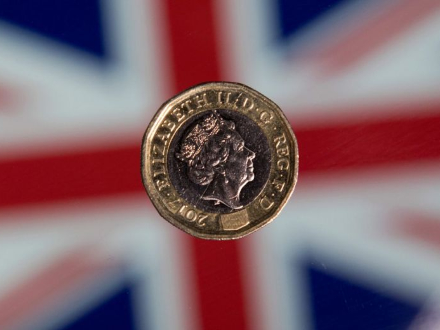 UK 'pauses' production of Brexit coin as delay looms