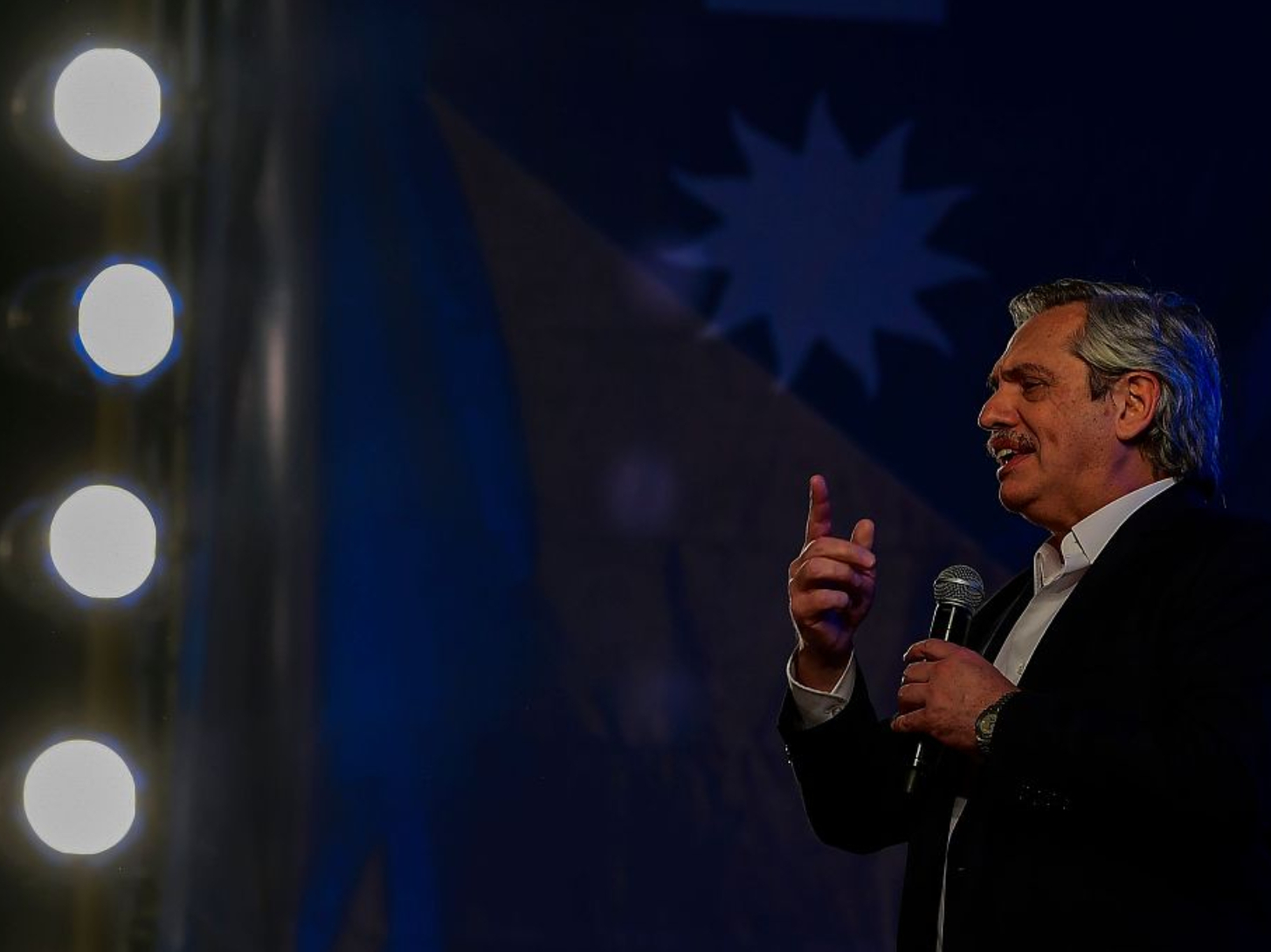 Incumbent president concedes defeat in Argentine presidential election