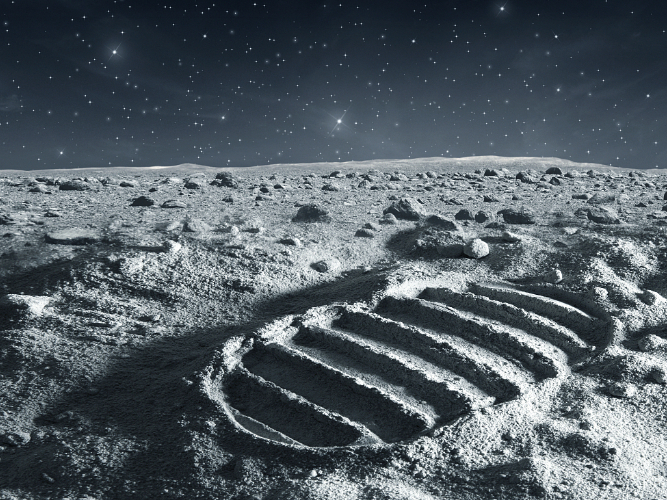 China drawing up plan for manned lunar exploration