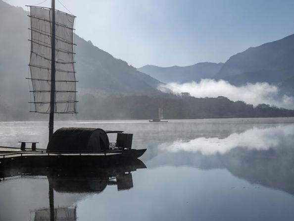 Scenery of Dajiu Lake in Shennongjia, C China