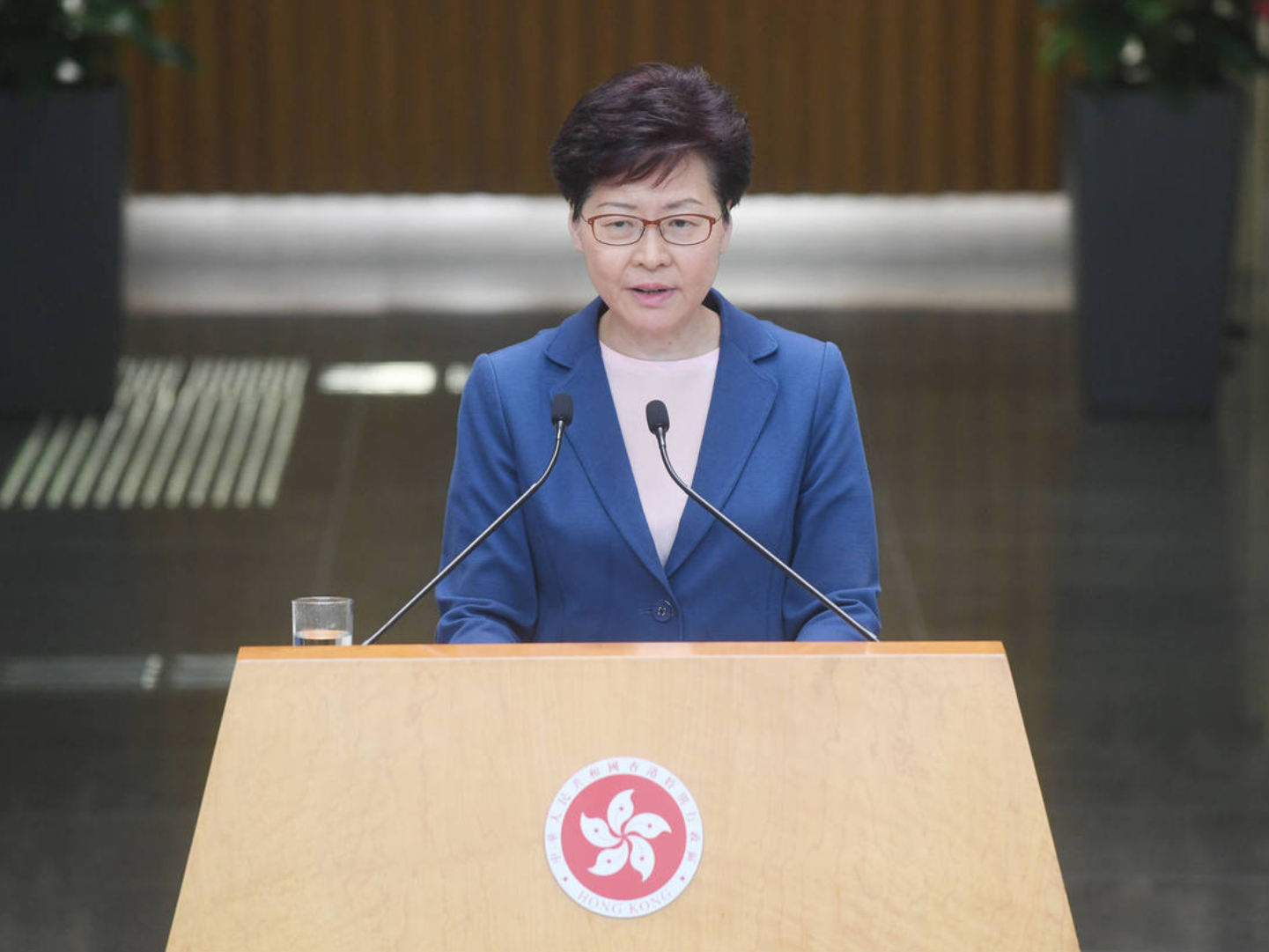 HKSAR chief executive gives priority to ending violence, restoring order